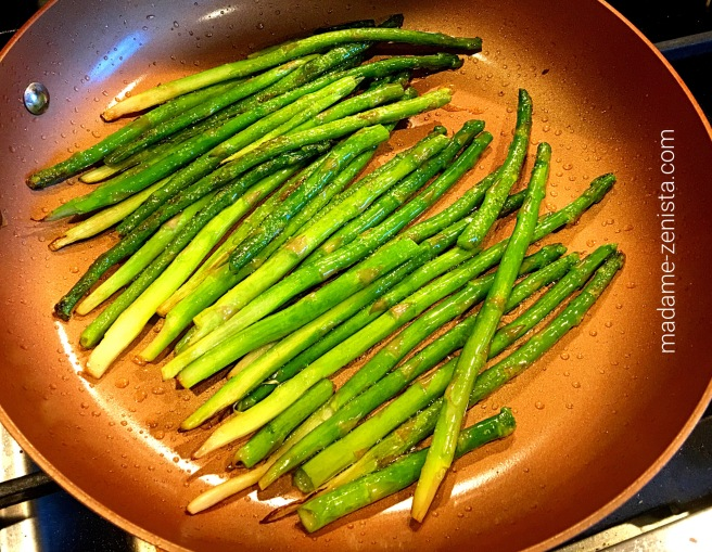 Green, asparagus, copper, pan, photography.