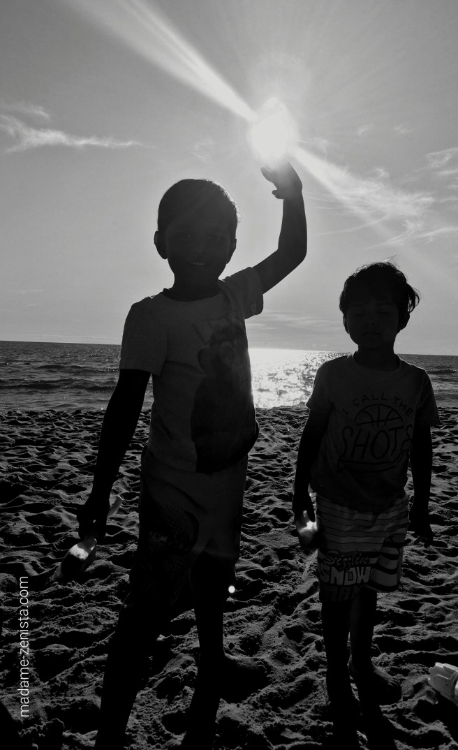 Black and white photography, monochromes, sun, summer fun, beach, kids, sand